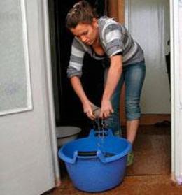 Что делать если затопили соседи сверху, куда обращаться?