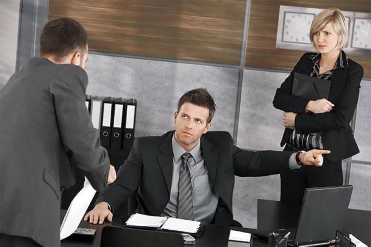 Увольнение за прогул: статья, пошаговая инструкция, приказ, запись в трудовой, выплаты при увольнении, Юридические Советы
