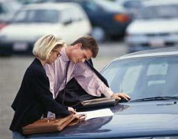 подписание договора купли-продажи автомобиля