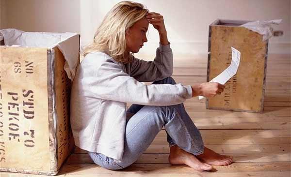 Можно ли продать квартиру с прописанным в ней человеком