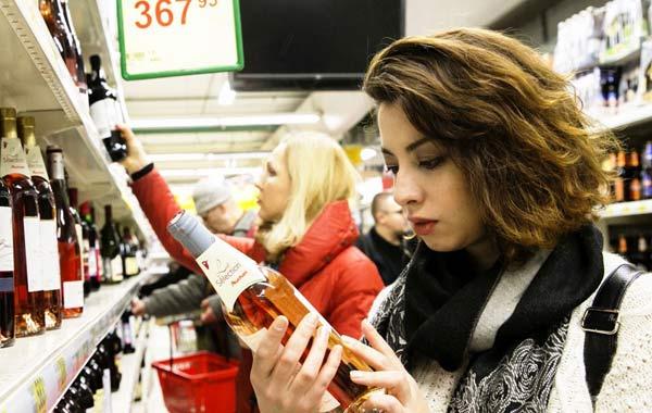 скоро повысят возраста продажи алкоголя