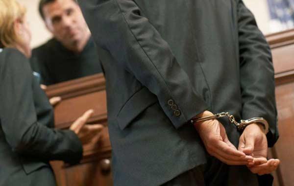Кто и как предъявляет обвинение по уголовному делу подозреваемому.